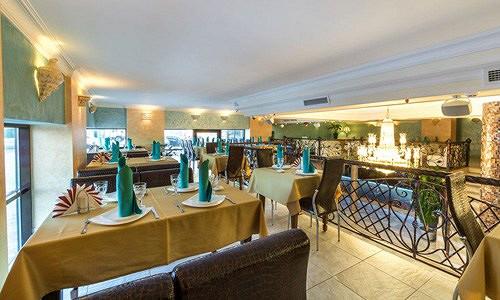 Ресторан Аквариум - фотография 11 - Интерьер большого балкона.