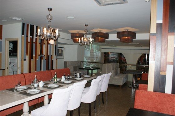 Ресторан Густо Итальяно - фотография 1 - Зал на третьем уровне. Панорамный вид