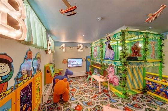 Ресторан Любимый - фотография 18 - Детская комната. Kids Corner
