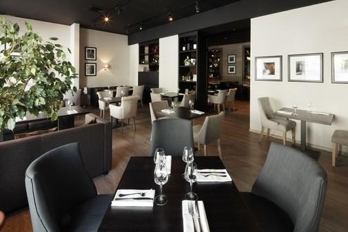 Ресторан In Vino - фотография 11 - Зал первого этажа.