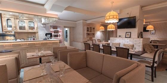 Ресторан Беби Джоли - фотография 2 - Зал 1