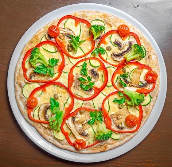 Ресторан Grand Pizza - фотография 4 - Пицца  Вителло тоннато