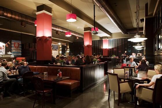 Ресторан Биродром - фотография 6