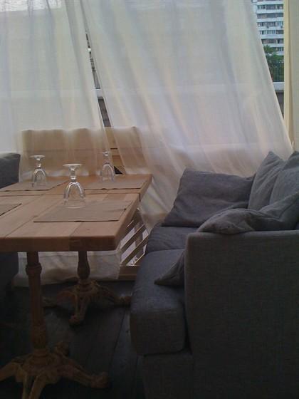 Ресторан Курабье - фотография 16 - Открывшаяся летняя веранда