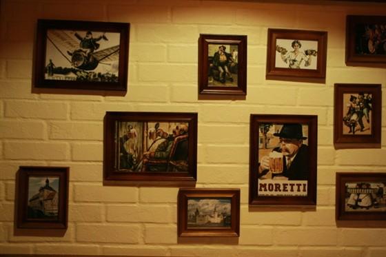 Ресторан Бир Хоф - фотография 25 - Картины
