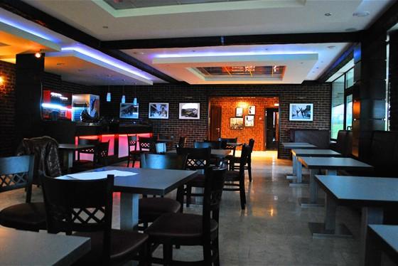 Ресторан Регата - фотография 2 - вечерний зал