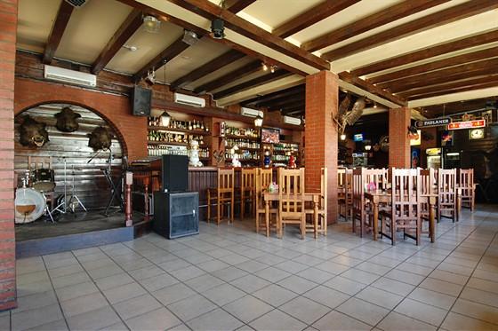 """Ресторан Три кабана - фотография 5 - """"Живая"""" музыка"""