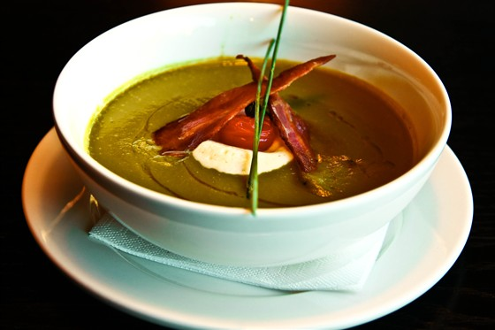 Ресторан Tony - фотография 9 - Суп из зеленого горошка