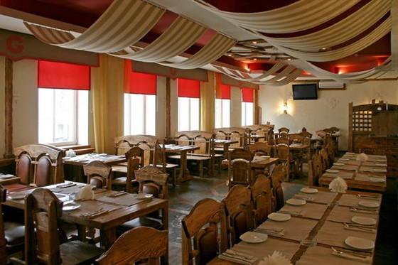 Ресторан Гроссбир - фотография 2 - Второй этаж можно заказать для частного банкета.