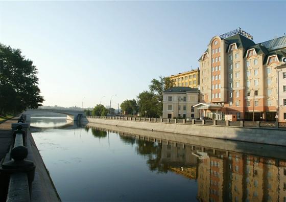 """Ресторан Стокгольм - фотография 1 - Ресторан """"Стокгольм"""" расположен в отеле """"Катерина Сити""""."""