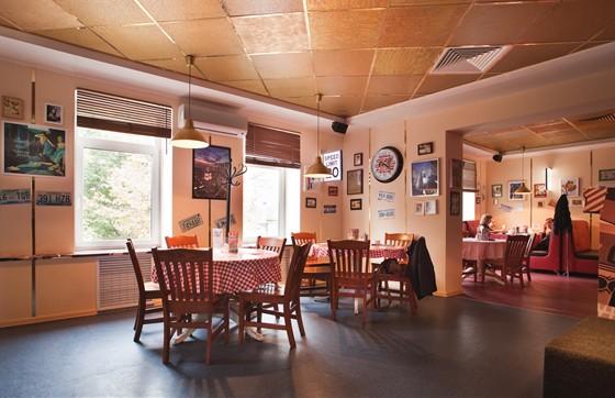 Ресторан New York Pizza - фотография 6 - Б. Покровская, 63. New York после ремонта сентябрь 2011