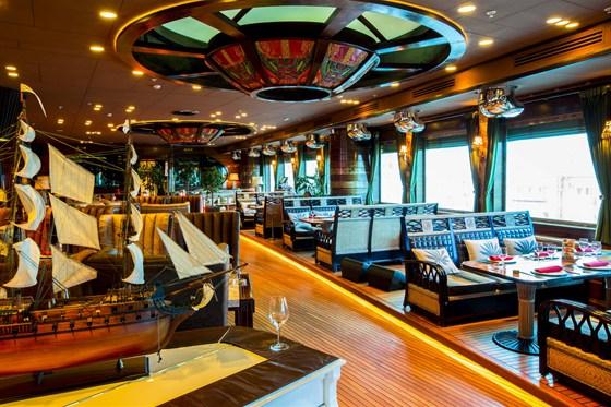Ресторан Лодка - фотография 23 - Основной зал