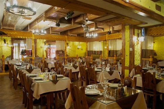 Ресторан Шарманка - фотография 4 - Главный зал