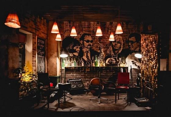 Ресторан Bottle Bar - фотография 8 - Каждый четверг - Whiskey Jazz