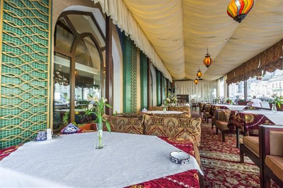 Ресторан Самарканд - фотография 16 - Летняя веранда в Самарканде