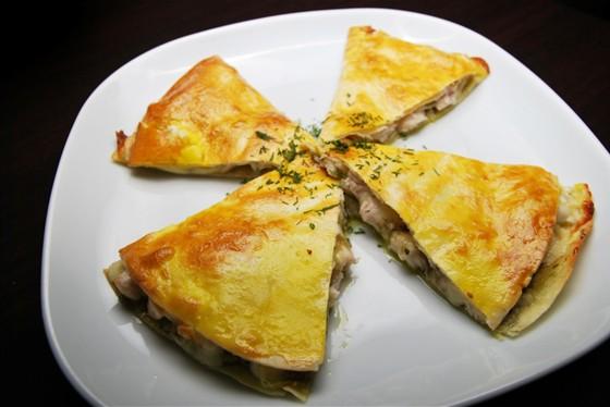 Ресторан Felice - фотография 18 - Кесадилья с курицей 260 руб