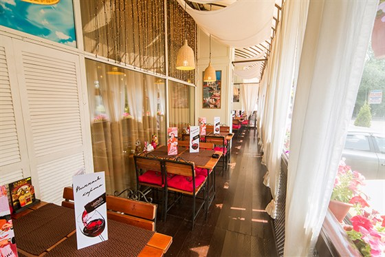 Ресторан Da Pino - фотография 1 - Летняя веранда.