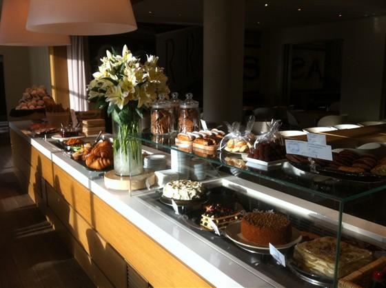 Ресторан Correa's - фотография 22 - Солнечное утро, прекрасный завтрак!