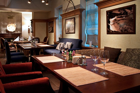 Ресторан Discovery - фотография 5 - Зал 2 этажа