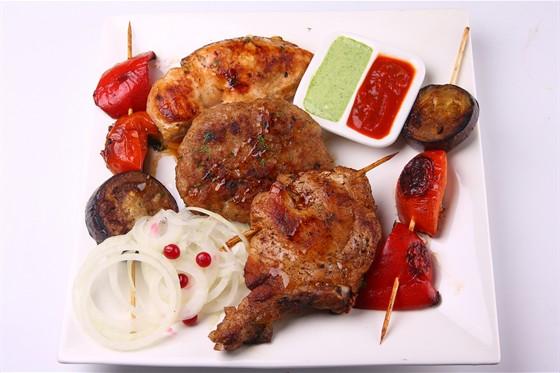 Ресторан Nostimo - фотография 1 - Ассорти мясное.