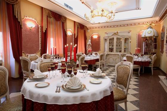 Ресторан Черная жемчужина - фотография 3 - Дворцовый зал