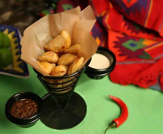 Ресторан Амиго Мигель - фотография 3 - Конус-эспанадас
