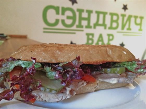 Ресторан Сэндвич-бар - фотография 8 - сэндвич с говяжьей вырезкой
