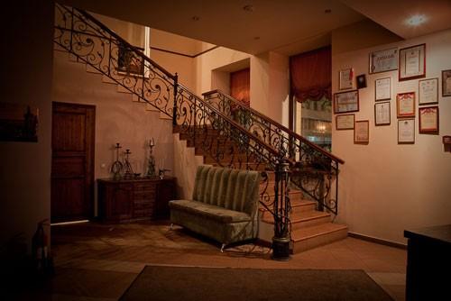 Ресторан Колесо времени - фотография 2 - Фойе
