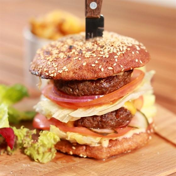 Ресторан Pubthepub - фотография 10 - Double Burger THE PUB