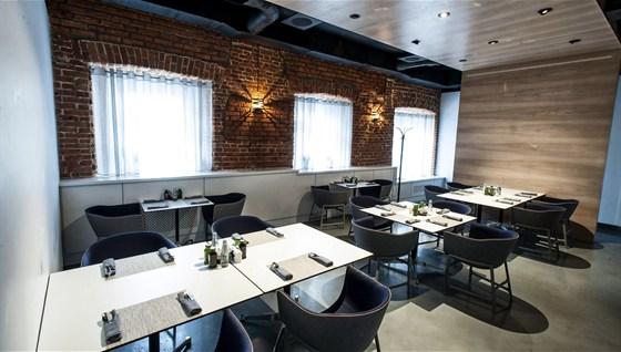 Ресторан Школа - фотография 2 - Малый зал