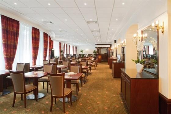"""Ресторан Граци - фотография 11 - В ресторане """"Граци"""" представлена колоритная средиземноморская кухня, а также блюда традиционной русской и международной кухни."""