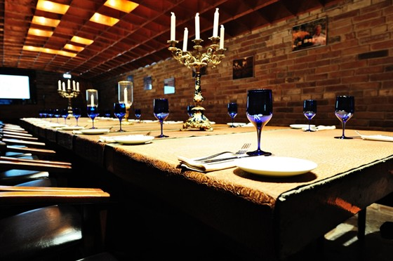 Ресторан 16th Line - фотография 22 - винотека