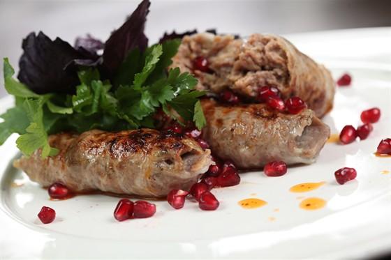 Ресторан Saperavi Café - фотография 23 - Абхазура- это как люля, но в жировой сеточке (2 штучки / 390 руб.)