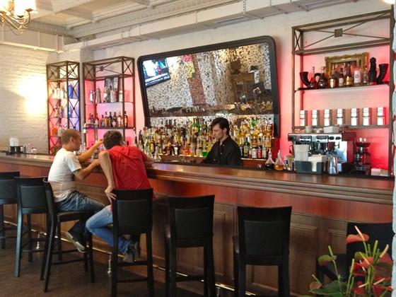 Ресторан Main Bar - фотография 12 - Бар.
