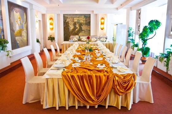 Ресторан Вега - фотография 7 - Банкетный зал Московский