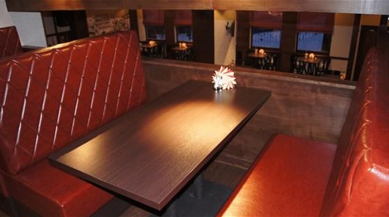 Ресторан Чешский дворик - фотография 9 - Вид из верхнего зала