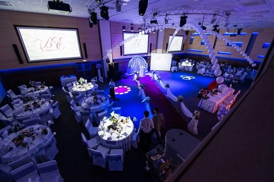 Ресторан Volga Hall - фотография 3 - Оформленные залы