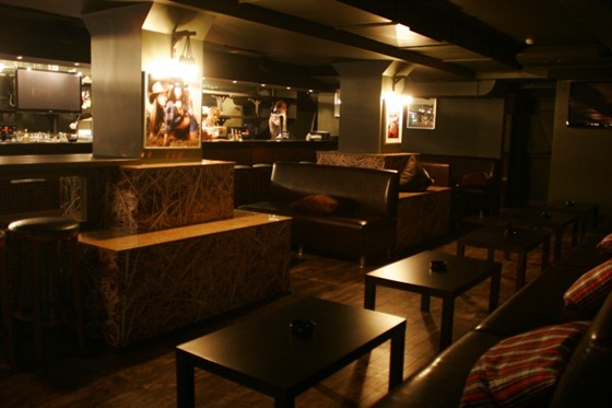 Ресторан Crazy Daisy - фотография 6 - бар на первом этаже