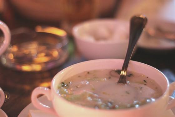 Ресторан Бурый лис и ленивый пес - фотография 8 - Суп на кокосовом молоке с креветками