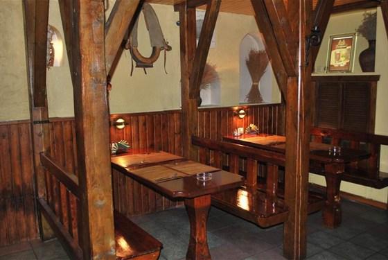Ресторан Сивый мерин - фотография 3 - Зал 1