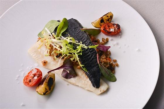 Ресторан Le boat - фотография 8 - Камбала с полбой