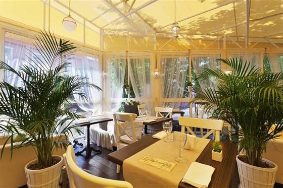 Ресторан Crazy Hunter - фотография 3 - Летняя Веранда