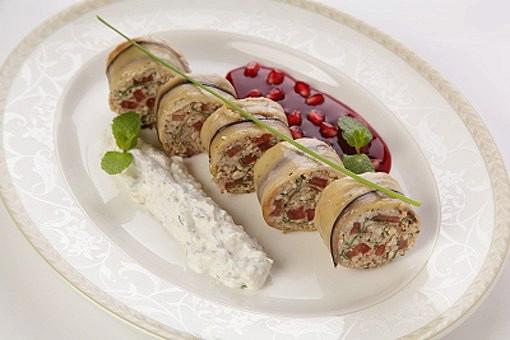 Ресторан Купец - фотография 18 -  Роллады из баклажанов с начинкою ореха Греческого и помидор а-ля конкассе