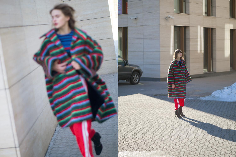 Пальто Walter Van Beirendonck, 97100 р.,  топ Zara, 2999 р., брюки Isabel Marant Étoile, 31700 р.,  полусапоги Dior, 42200 р.