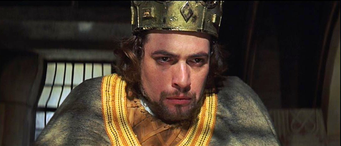 an analysis of the polanski version of macbeth by shakespeare In comparison to the polanski version of macbeth, there is a modern version, called macbeth on the estate in this version of the play, it can be seen that act 4 scene 1, has been shown in a different way.