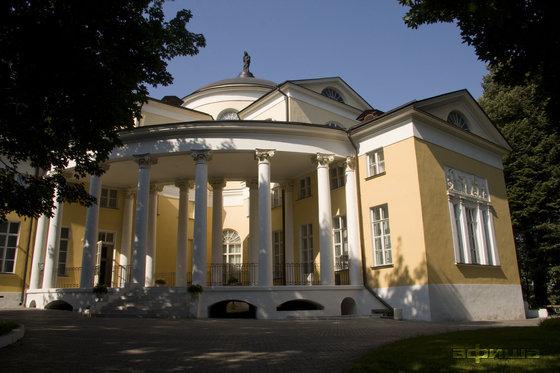 Фото дворец Дурасова в усадьбе Люблино
