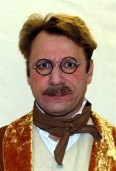 Олег Сушков