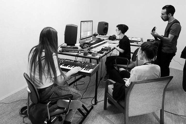 Процесс работы в студии