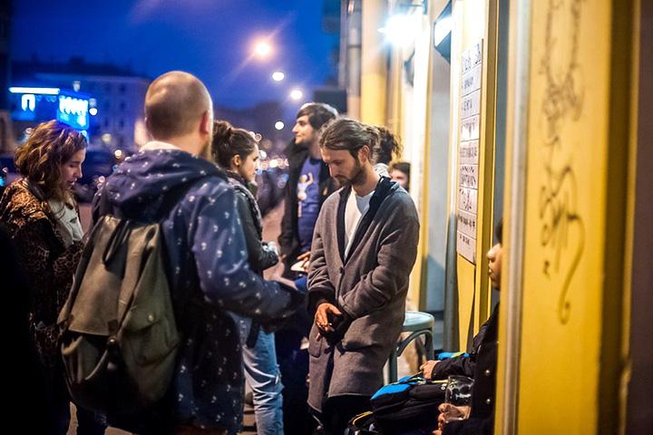Одно из главных преимуществ ведения бизнеса в Петербурге — там практически нет улиц, которые молодой владелец бара или кафе не может себе позволить. Соответственно, все они открыты потоку туристов