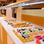 Ресторан Riotta - фотография 2 - Большое разнообразие еды!